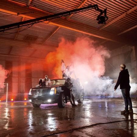 Выставляем сцену для съемок клипа в Сочи